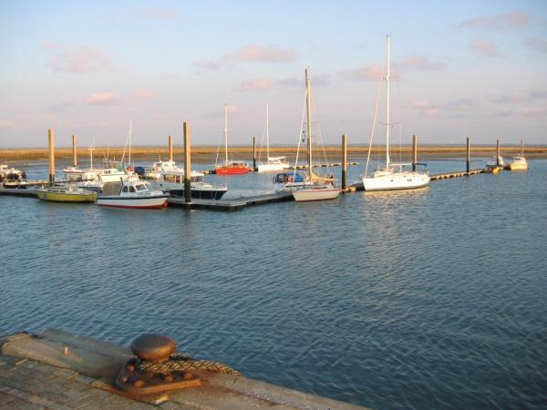 Bootssteg am Hafen Spiekeroog